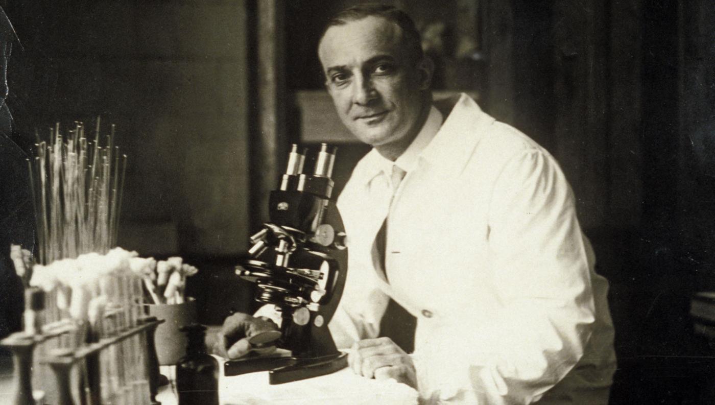 Jean Laigret (1893-1966) au laboratoire - Institut Pasteur
