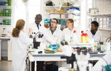Enseignement - L'Ecole normale supérieure et l'Institut Pasteur signent un accord cadre sur le renforcement et l'avenir de leurs collaborations dans les domaines de la recherche et de la formation